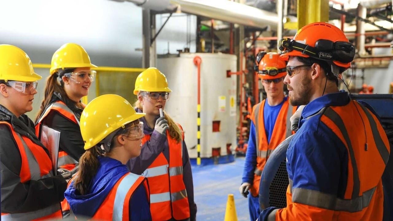 UFRJ - empregos - engenheiros