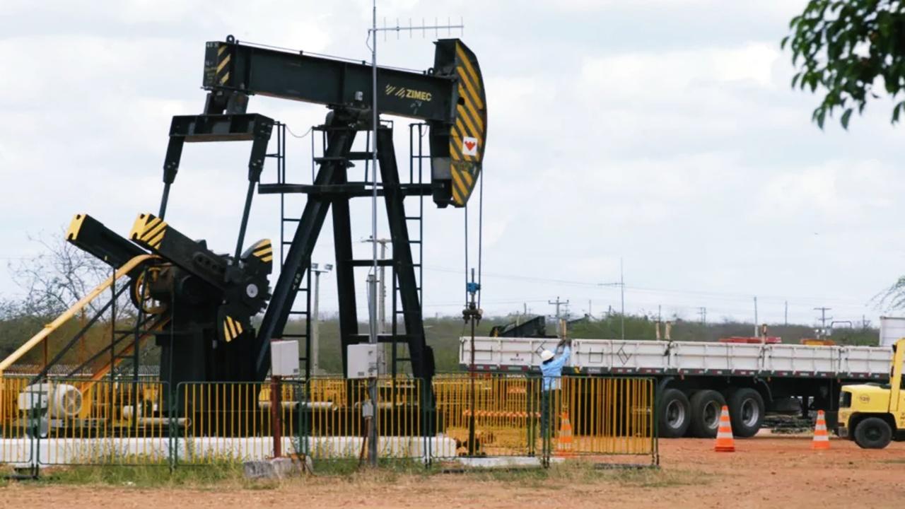 O Polo Potiguar no RN à venda pela Petrobras compreende três subpolos, totalizando 23 campos de petróleo terrestres e 3 marítimos. Operações da estatal no nordeste estão em risco para direcionar o foco no pré-sal do sudeste