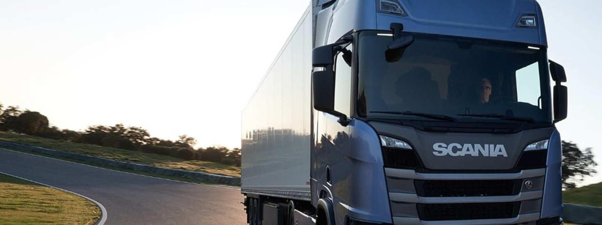 Caminhão - energia solar - Scania