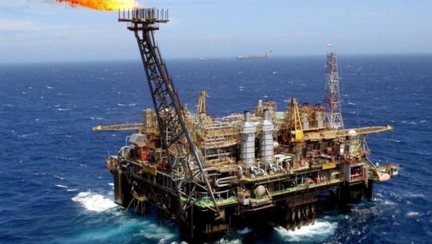 Petrobras - investimentos - Macaé
