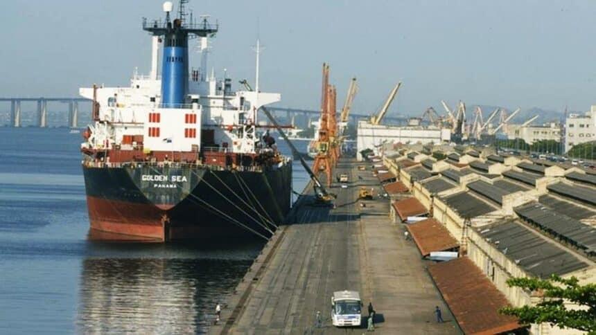 docas - Rio - Baía de guanabara - diesel