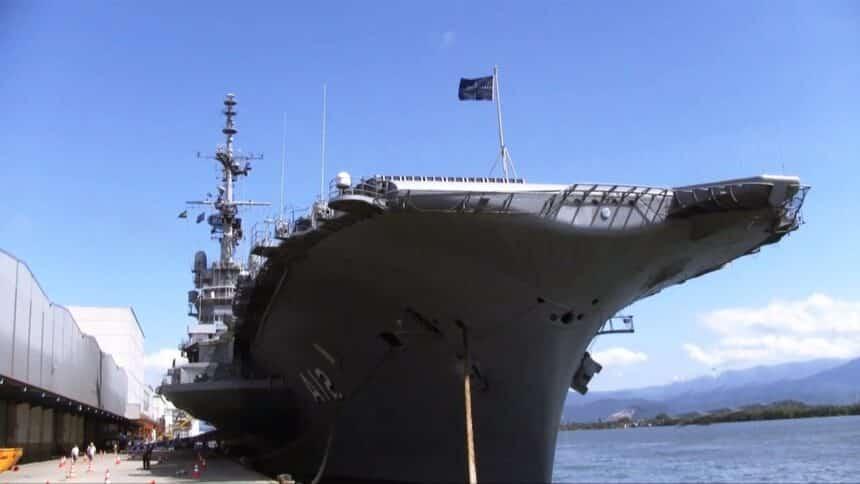 navio de guerra - porsche - marinha - são paulo - rio de janeiro - sucata - porta aviões