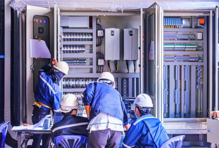 Eletricista, emprego, mecânico