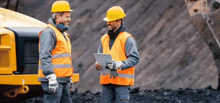 Mineradora, emprego, técnico