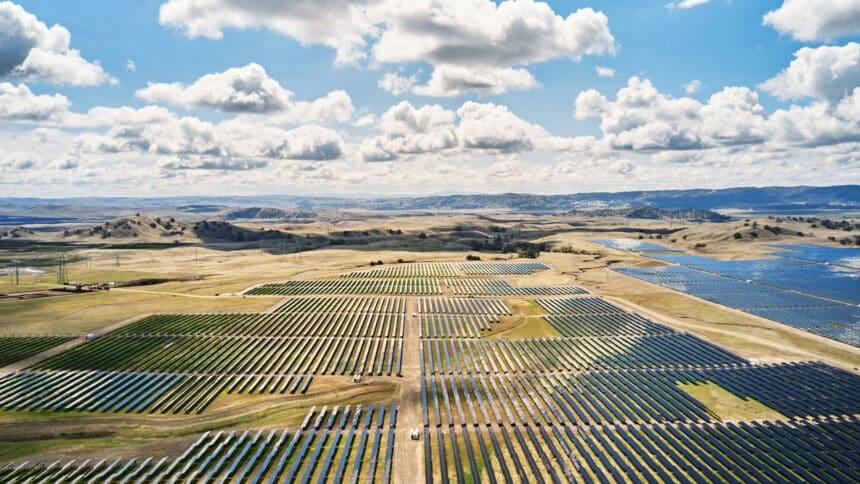 Apple - energia renovável- investimentos