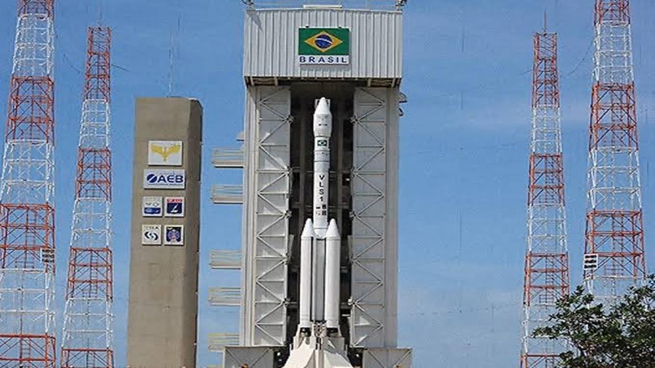 centro espacial - EUA - Cazaquistão - nuclear - Brasil - operação