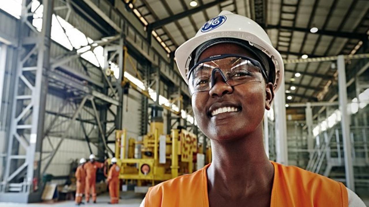 emprego - General Electric - halliburton - vagas - manutenção - brasileiros - angola - elétrica