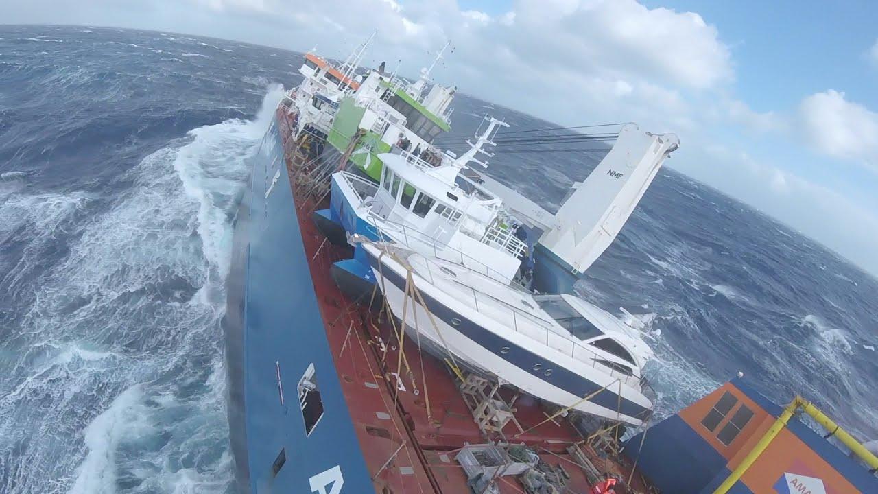 Navio - Alto mar - combustível