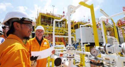 Macaé, Oil States, vagas de emprego