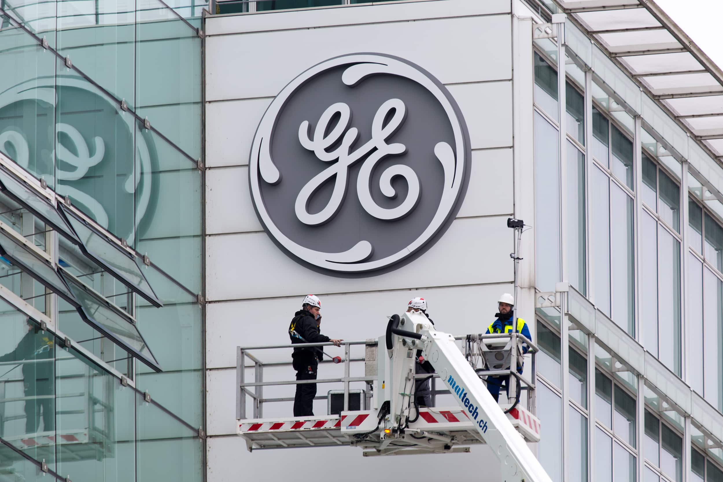GE – robô - hidrelétricas