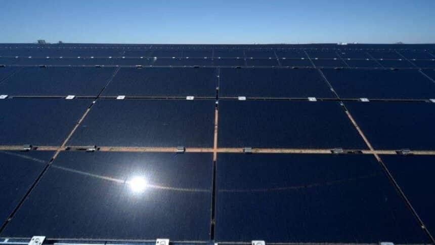 Bitcoin - energia solar - usina - mineradora - investimento