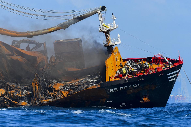 navio petróleo derramamento de petróleo costa