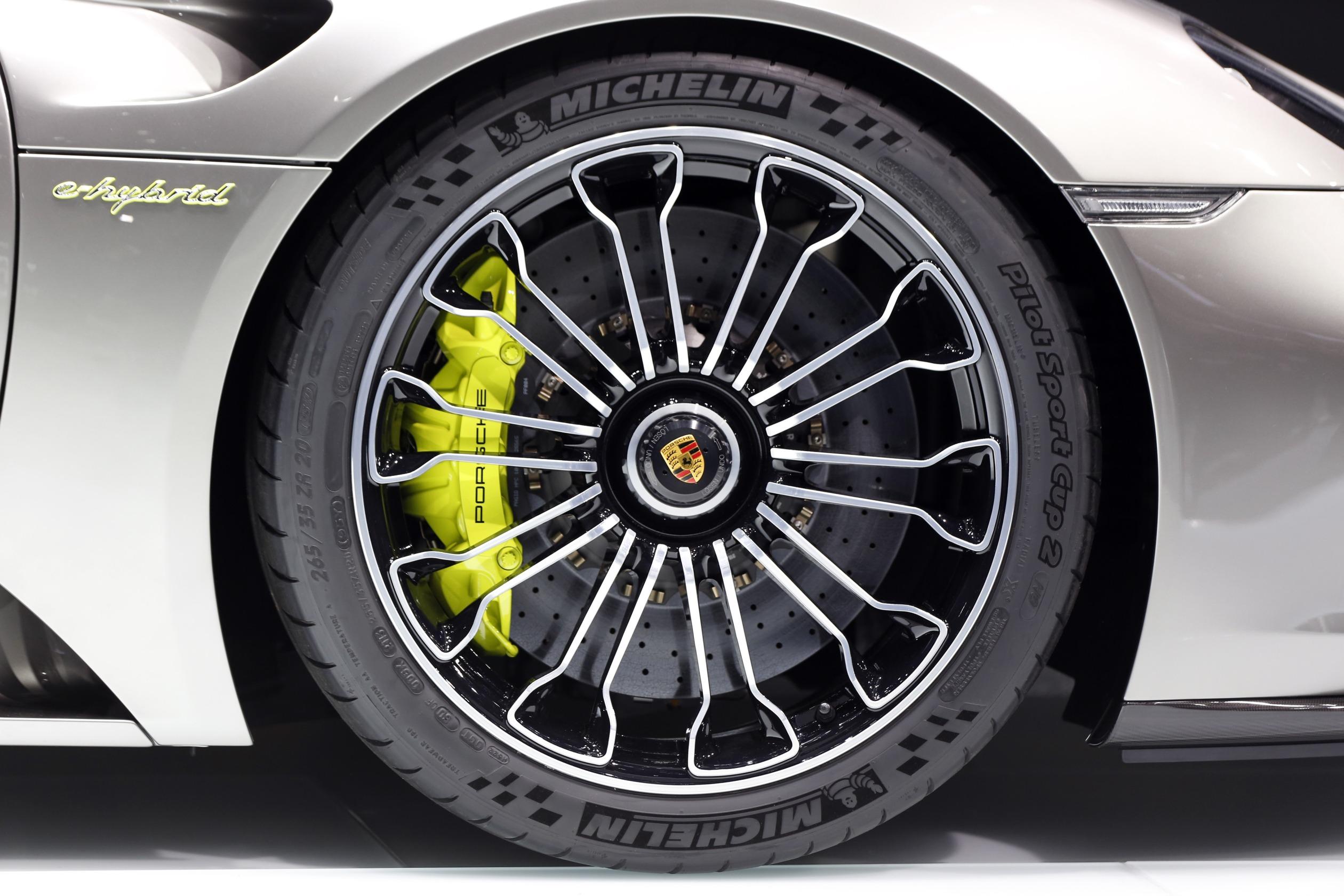 carros elétricos pneus michelin