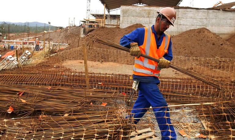 vagas de empregos contratando economia saúde construção civil