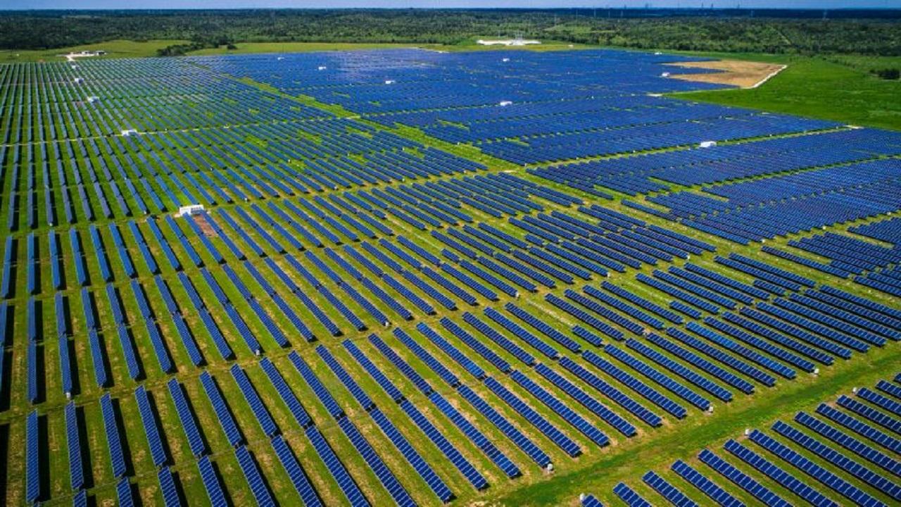 Empresa - energia solar - usina - Bitcoin