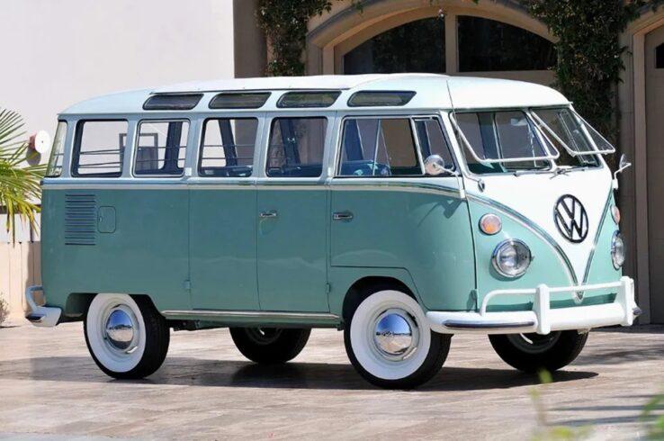 kombi - Volkswagen - fusca - chevrolet - Corvette - Gol - Voyage - SP - fábrica - produção - carro elétrico - chineses