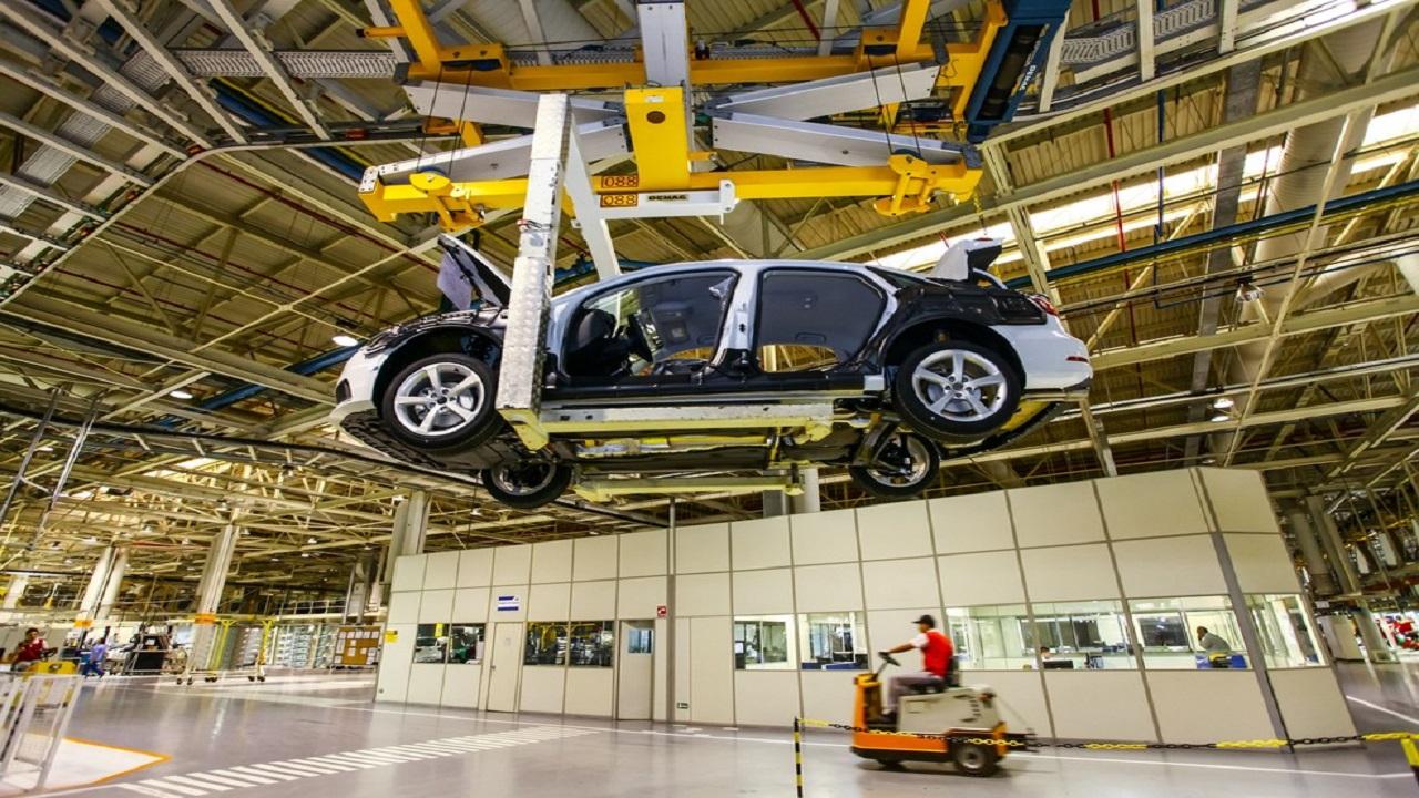 Multinacional - Audi - motores a combustão - diesel - gasolina - carros elétricos