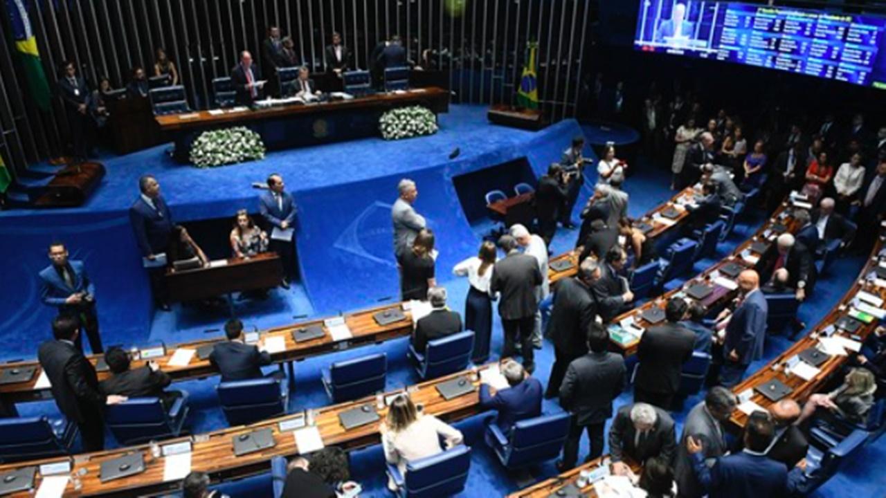 senado - câmara - deputados - salário - engenheiro - arquiteto - vagas - emprego - trabalhador - brasil - Lei nº 4.950 - crea - crt -