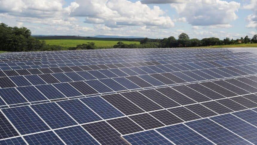 Canadian solar - energia solar - financiamento - construção