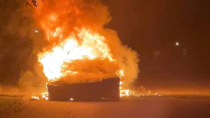 preço - tesla - carro elétrico - veículo - fogo - acidente - texas