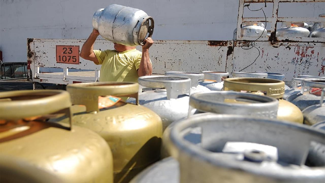 Deputados - gás de cozinha - baixa renda - petróleo e gás