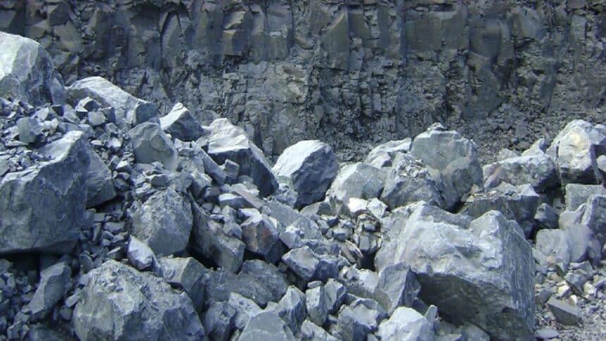 Mineração - mineradora - basalto - MG - empregos -
