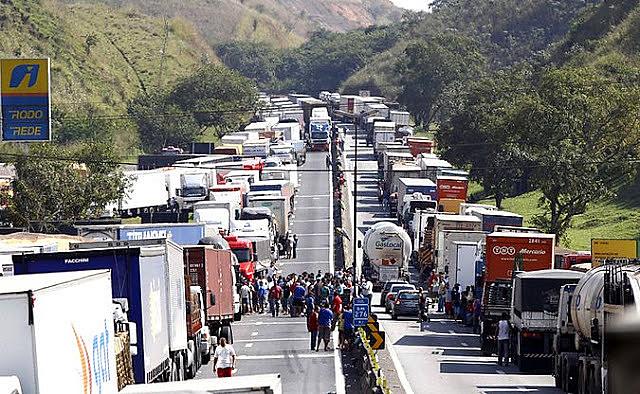 Greve caminhoneiros preços dos combustíveis Petrobras