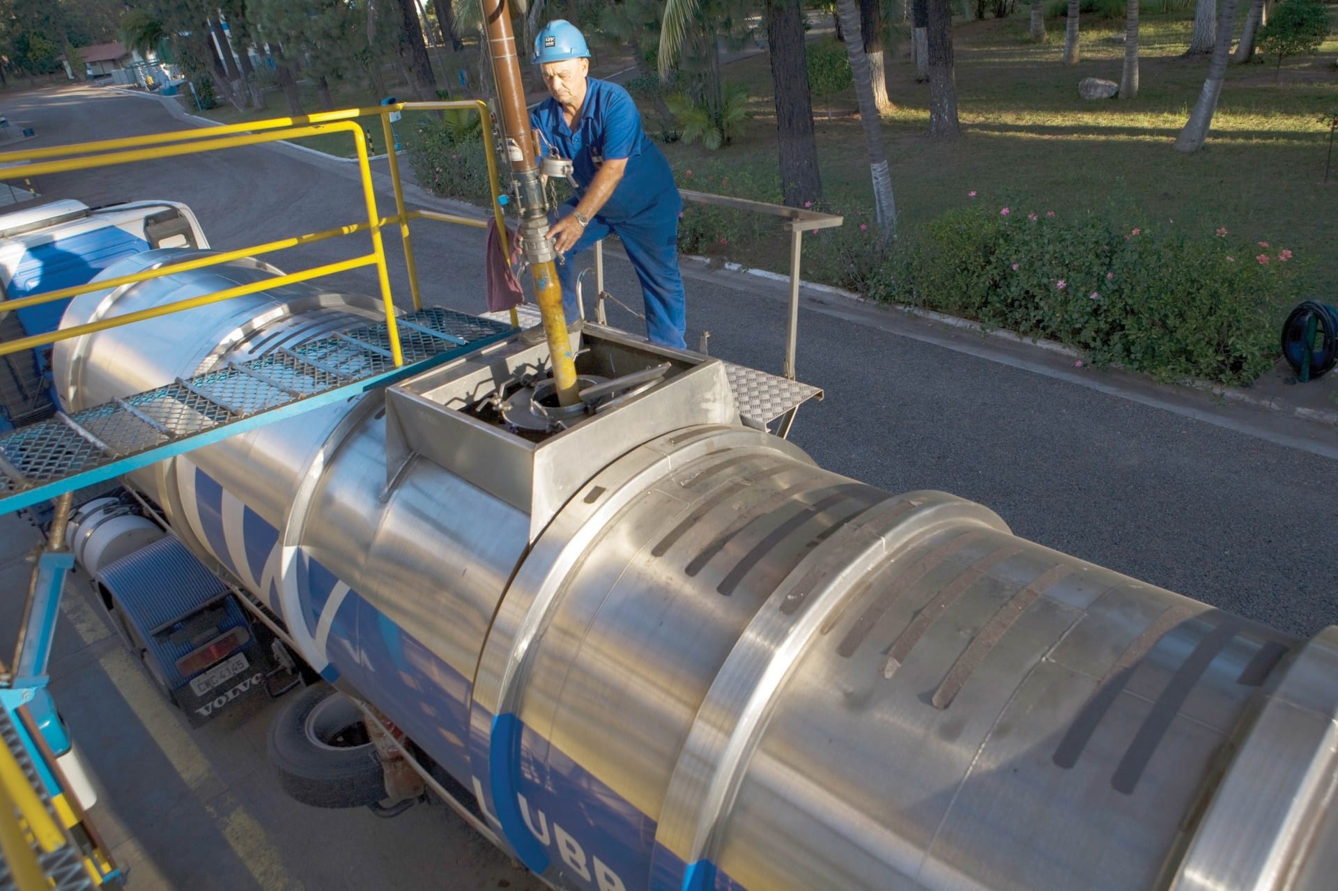 óleo lubrificante - preço - rerrefino - sustentabilidade - refinaria - coleta - óleo usado - agronegócio