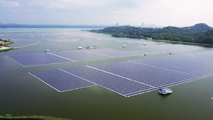 Usina - energia solar - offshore - painéis solares - Singapura