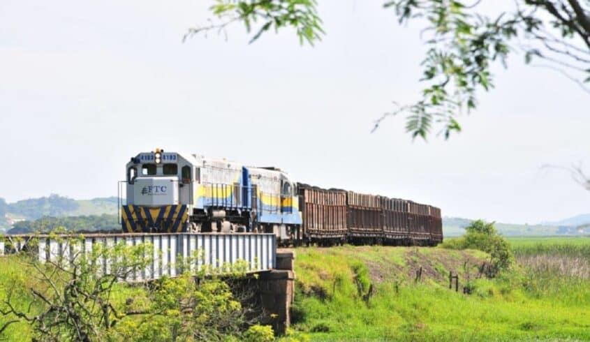 trem FTC-2 linha ferroviária trilhos