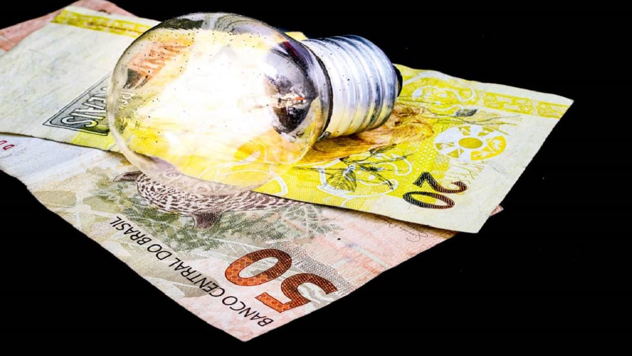 Bandeira tarifária - brasileiros - consumidores - conta de luz -