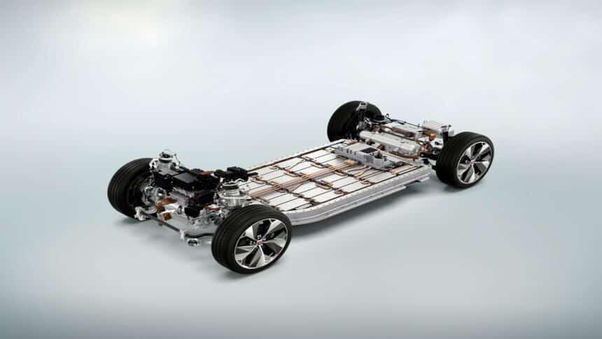 Motor - Multinacional - Ford - combustão - carros elétricos - veículo elétrico
