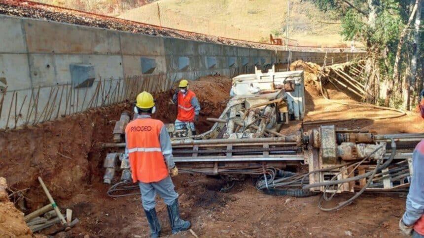 vagas de emprego - construção civil - técnico - minas gerais - motorista - operador - servente - ensino fundamental -