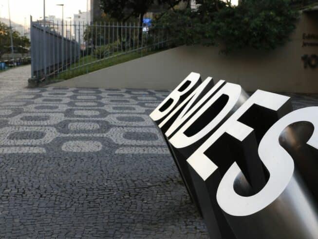 BNDES Crédito financiamentos taxa de juros