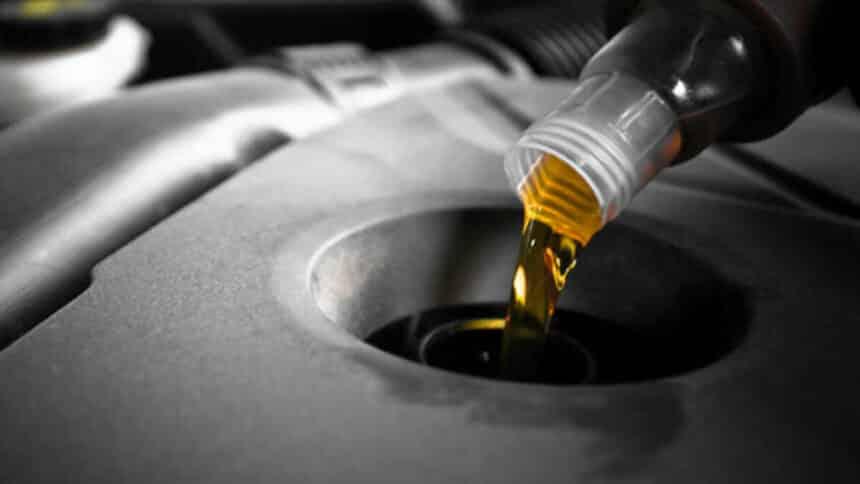 óleo lubrificante usado é reciclado no Ceará
