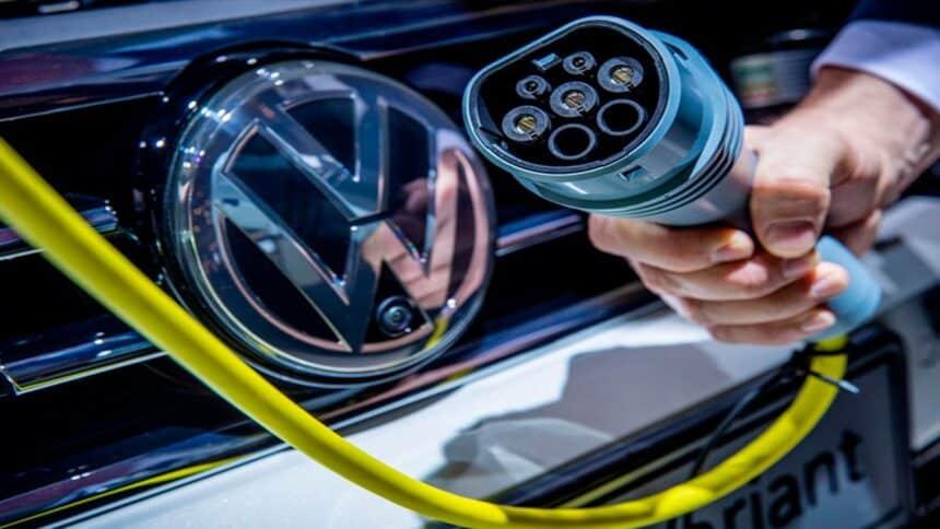 gasolina - preço - diesel - etanol - gnv - carros elétricos - motor a combustão - volkswagen - motorista de aplicativo - taxistas
