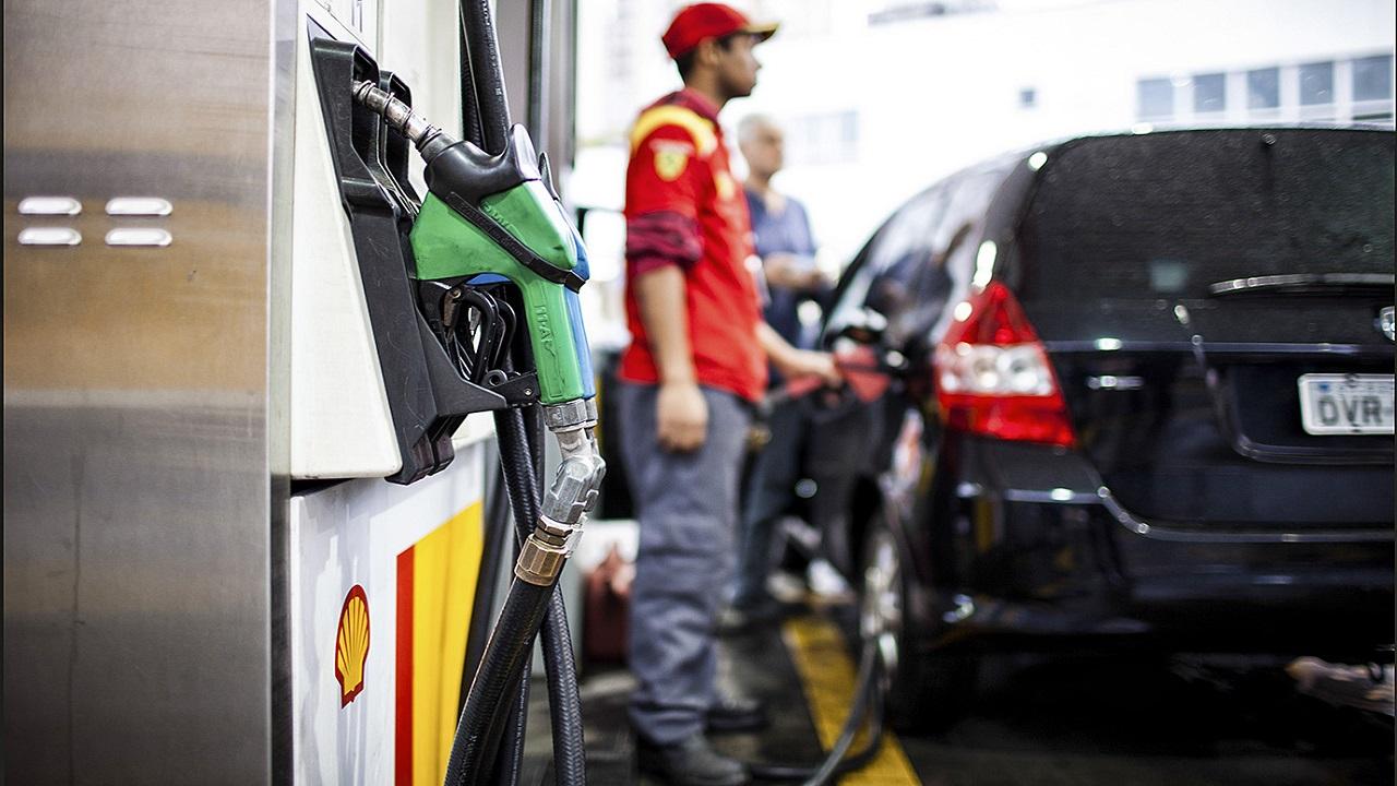 PL - deputado - demissão - frentistas -combustíveis - posto de gasolina