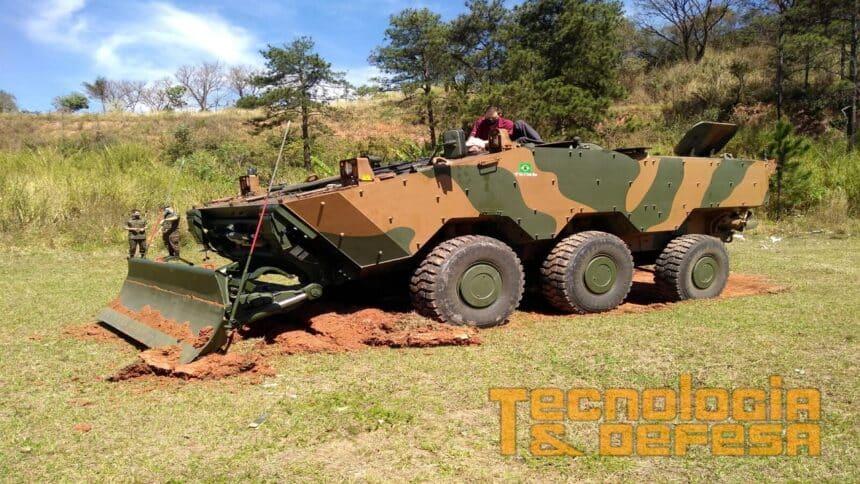 Exercito Brasileiro -EB - veiculo blindado - engenharia - mineração