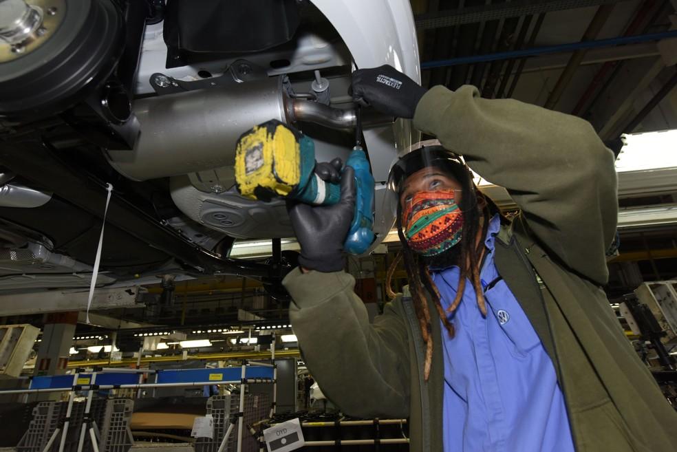 combustível - Volkswagen - carros - fabrica