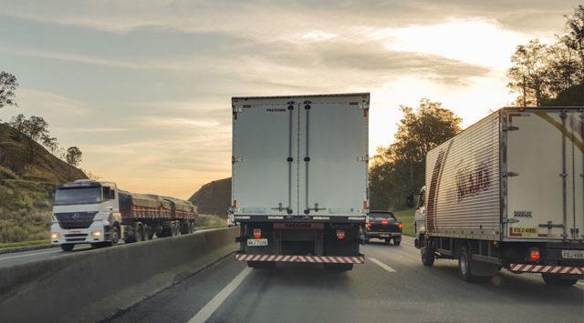 caminhão caminhoneiros combustível fretes