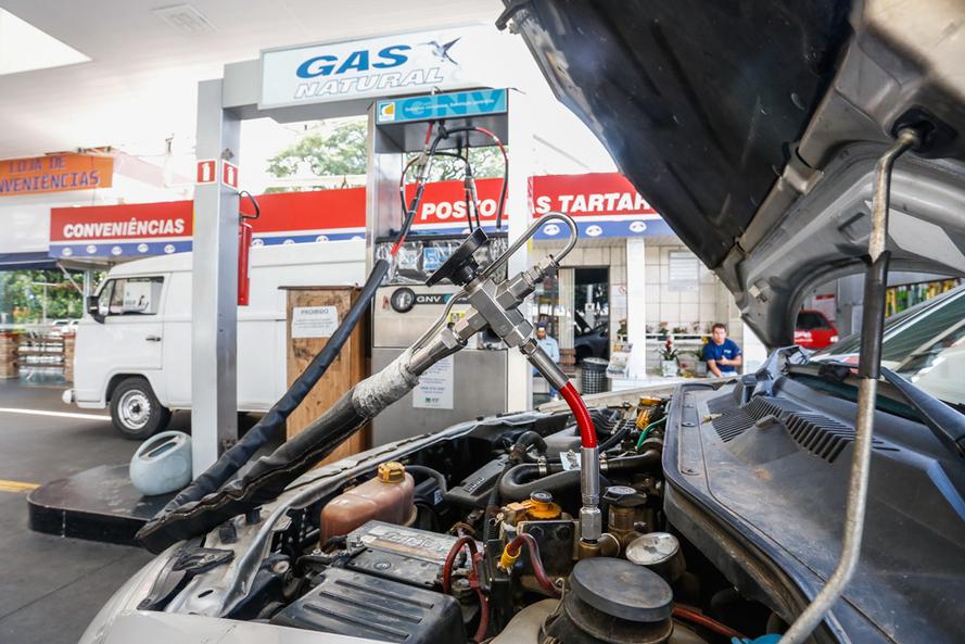combustíveis gás natural gnv gasolina