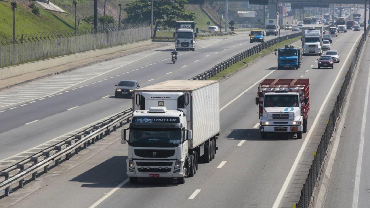 Caminhoneiros - Europa - Inglaterra - salários