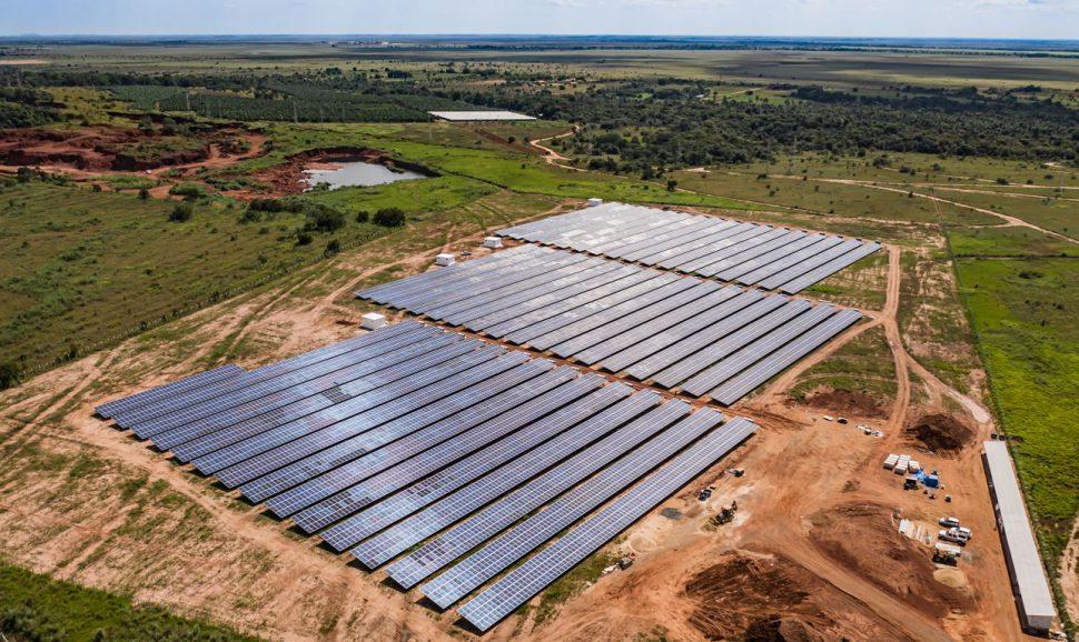 Usina – energia solar – construção